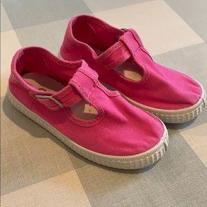 Cienta Fuschia T-Bar Canvas Shoes
